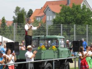 unser Dirigent beim Jubiläumschor